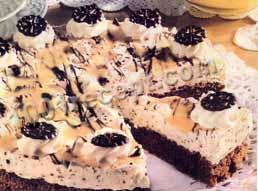 Торт с ликером. Хорошо охлажденный, он особенно вкусен. Увеличить изображение.